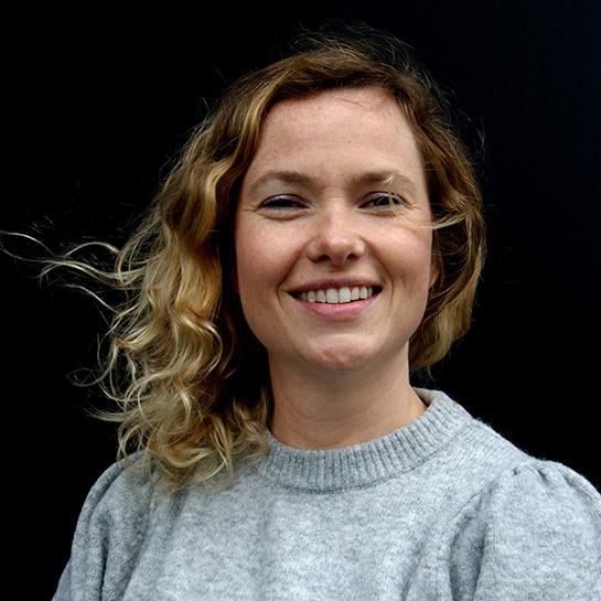 Dr. Steffi Debecker